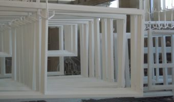 How do we paint our joinery? We invite you to watch!